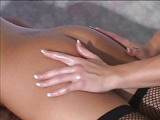 Hot blonde lesbo massage therapist sucks toes and nipples