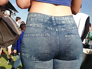 VERY TIGHT JEANS