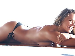 Ronda Rousey - Sports Ilustrated Swimsuit 2015