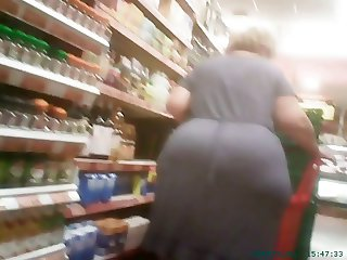 Spying Mature Huge Butt - BBW Ass Voyeur - Candid Booty