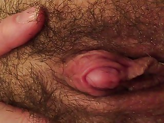 Big clit cumming