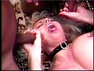 70s white mom slayed by two cocks on the couch