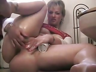 BBW mom gets off at eye level