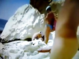 Exhibitionist on the beach! Amateur!