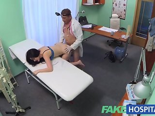 FakeHospital Dcotors cock helps relieve pain