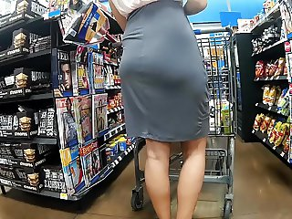 Thin skirt no panties Pt.2