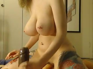 Girl using a lot of sex toys 720camscom