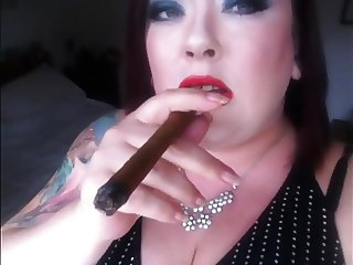 Cigar Smoking BBW - Fetish Smoke Rings