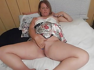 WIFE PLAYING WITHE HER PUSSY