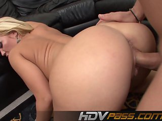 Austin Taylor Sucking Big Pole And Rides It
