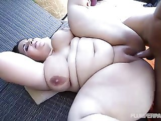 Plumper Emma Bailey Is Oiled and Fucked by Pool