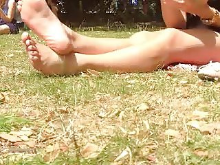 Candid Bare Feet in London Park (FaceShot) TheFeetness