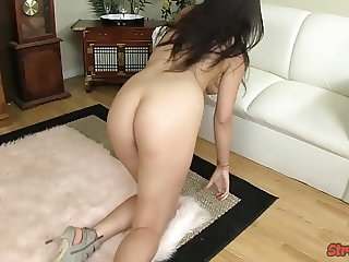 Paisly Parker pumps hard dick