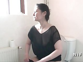 French moms seduces a boy and gives her ass