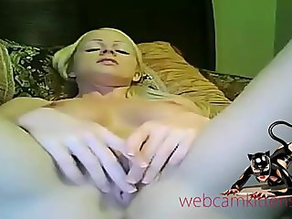 Amateur webcam girl