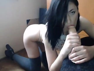 6cam.biz cute alycetn flashing ass on live webcam