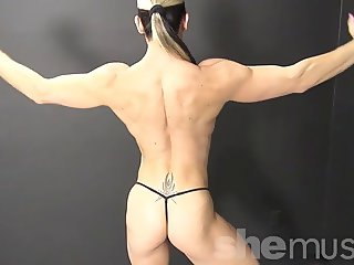 Muscular Blonde Shows Off Amazing Body