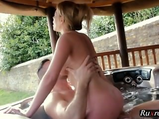 Holly Kiss Blonde
