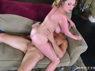 Brazzers - Brooke Wylde shows off her big tit