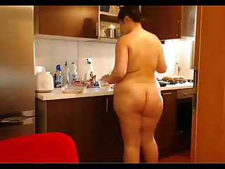 Bid ass nude in home
