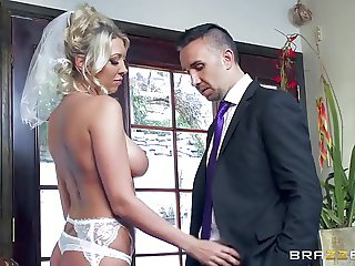 Brazzers - Lexi Lowe gets one last cock before the wedding