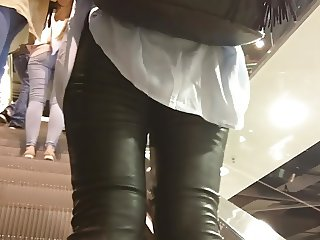 Great ass in shiny leather pants - 22 - close up