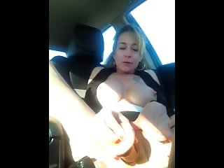 Shannon Dubois Squirts in the CAR!!