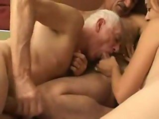 Daddies Bi Threesome