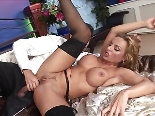 Nice ass dame gets a hardcore fucking in POV
