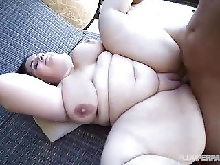 Beautiful BBW Emma Bailey Fucks Stud Photographer