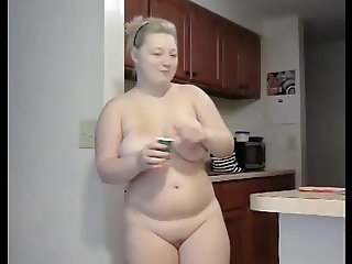 A CHUBBY MARRIED RUSSIAN WOMAN STRIPPING