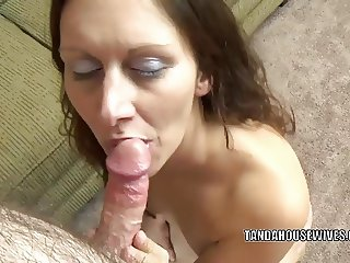 Curvy MILF Trisha Delight is going down on a stiff cock