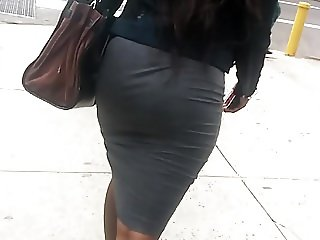 Big Booty In Tight Grey Dress