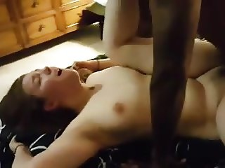 YOUNG CUCKOLDING COUPLE