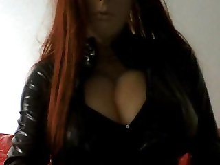 Rubia shows her huge tits in latex