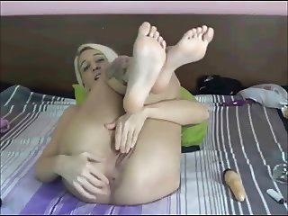 ugly blonde feet show