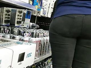 PHAT BOOTY WAL MART WORKER