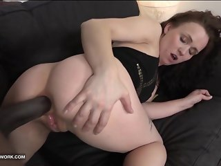 Rough Anal Fuck for Cum Craving MILF gets ass fucked