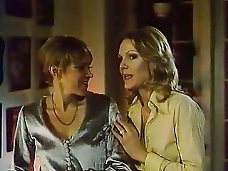 1976 Jennifer Welles  Of A Young American House Wife