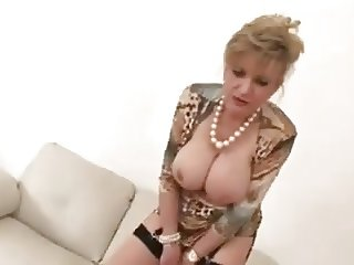Jerking construction with hot mature Lady