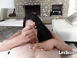 Cute Teen Gina Valentina fucks for a room for rent