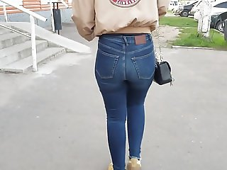 Young beautiful girl with hot ass