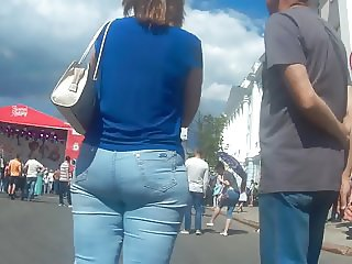 Very big ass milf in jeans