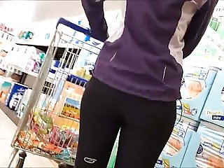 nice girl in sport leggin shopping