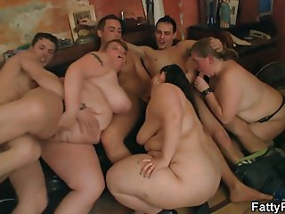 Chubby group orgy in the fat club