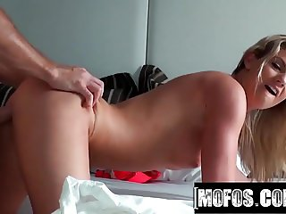 Mofos - Sammis Beach Body video starring Sammi St.Clair - Po