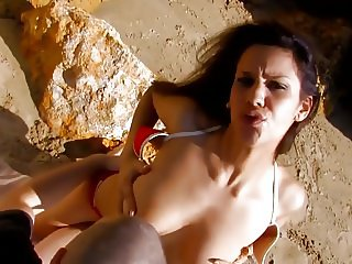 Brunette gets sharp sex on beach