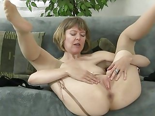 mature slut stripping down and masturbate