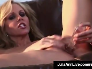 Stunning Sexy Milf Julia Ann In Jeans Dildo Bangs Her Pussy!