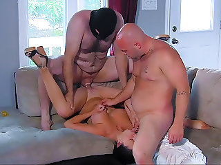 Not wasting a minute while hubby is at work - 3-Way Porn